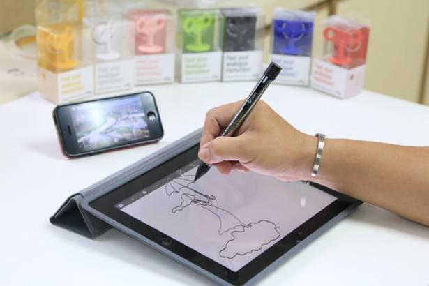 台灣新研發出的觸控筆,筆尖只有2.4mm粗。