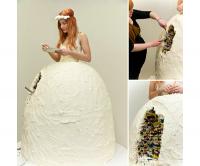 穿上這件新娘裝後,所有減掉的體重都可以幫妳增