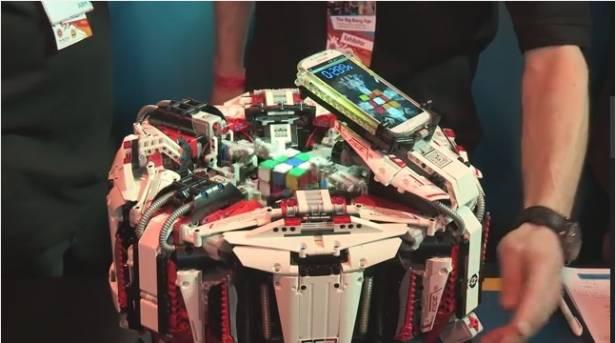 僅花 3.253 秒! CUBESTROMER 3 再度刷新手機轉魔方世界紀錄(加映華為 Ascend P6 挑戰 4 x 4 魔方)