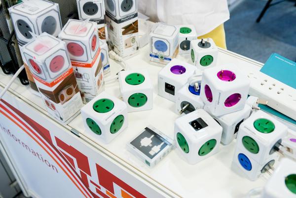 Computex 2014:連蛋糕都是展品!?其實是創意無限的 USB 充電器啦!
