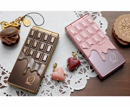 零卡路里的高熱量甜點 - NTT DoCoMo 巧克力造型手機