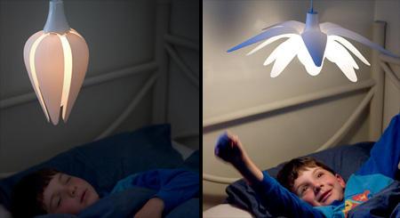 [好物] 有生命的花花燈陪你入睡也會叫你起床