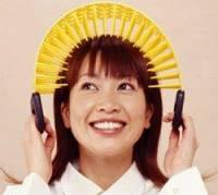 [好奇] 會按摩的梳子vs不會梳頭的頭部按摩器,妳選哪一個?