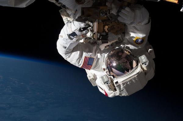 NASA「重現」31幅電影Gravity的精彩畫面