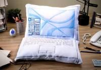 淡淡的哀傷與惡夢....筆電枕