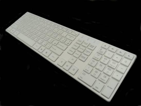 WK550-穿衣服的鍵盤
