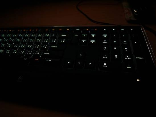 羅技 炫光鍵盤 亂亂拍