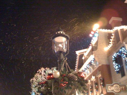 香港迪士尼的Xmas有下雪喔...