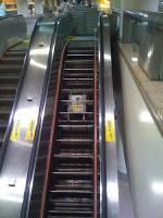 捷運電扶梯怕壞掉 要修理