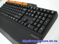 技嘉 Gigabyte GK-K8000 機械式電競鍵盤 搶先曝光