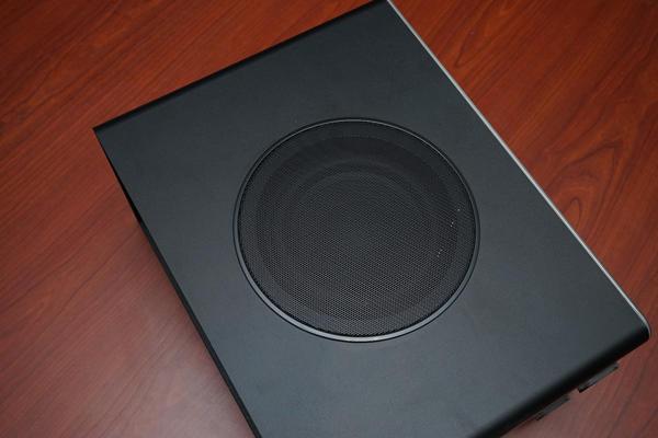 居家時尚,環繞音響饗宴 - Philips HTB 9150