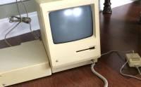 Apple 裝置就是耐用: 收藏 30 年 Mac 首次開箱和開機 [圖庫]