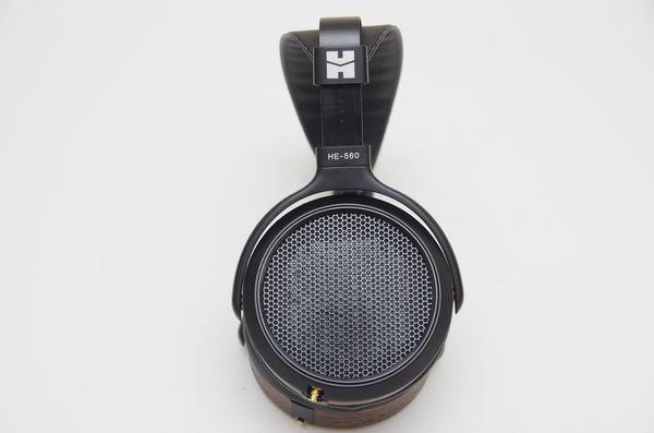 單面磁鐵場極式平面振膜的進化革命, HIFIMAN HE-560 耳機動手玩