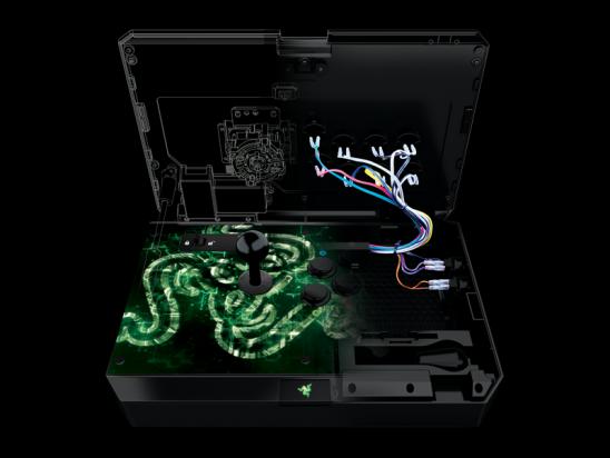 Razer 宣布推出 Xbox One 版 ATROX 格鬥大搖