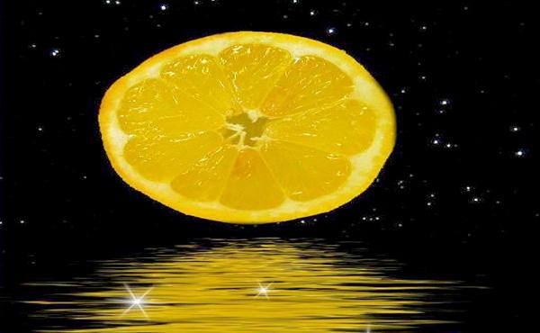 科學家最新發現: 月球非圓形, 而是「檸檬形」