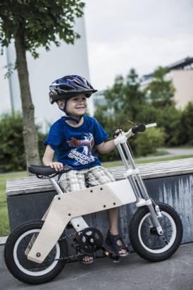 從學步車到腳踏車,陪著孩子成長的兩用車Miilo