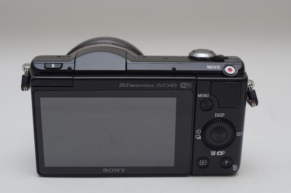 延續 NEX-3 小巧血脈並導入高階電子系統, Sony A5000 相機動手玩