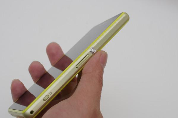 不是 mini 而是 Compact ! Sony Mobile 輕旗艦 Xperia Z1 Compact 動手玩
