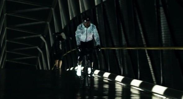 日常穿著 OK!全新 Pixel 技術 Sugoi 單車反光風衣