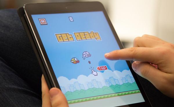 """真正令人憤怒鳥: 必玩超人氣自虐遊戲""""Flappy Bird"""" [中文影片]"""
