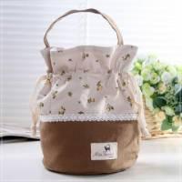 魔法Baby~日本風拼布手提 束口圓筒包 咖啡 米黃碎花 ~孩童 大人用品~時尚設計~f0077