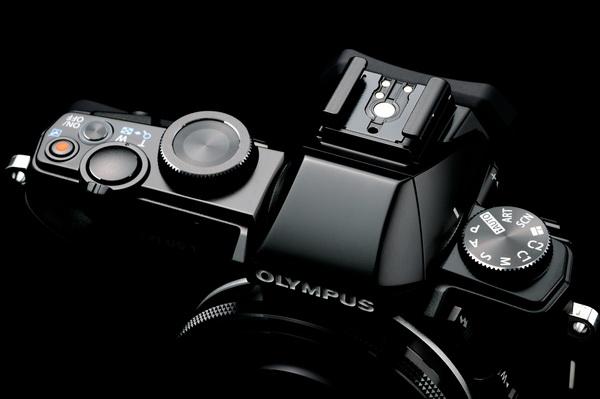 Olympus Stylus 1在台販售要價19900元,鎖定喜愛復古特定族群