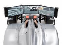 不只是電動,F1的賽車模擬器就在家中客廳