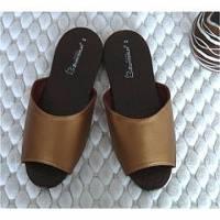 e鞋院 金屬風時尚室內皮拖 金