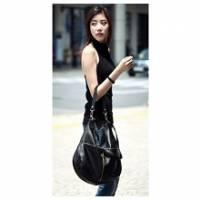 《INTRY》時尚雙兜拉鏈斜肩包-黑色