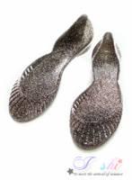 《I-shi》貝殼星沙~鏤空晶鑽平底果凍涼鞋 黑