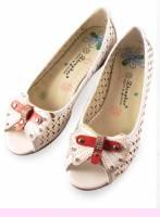 《幸運之花》氣質甜心‧鉚丁水鑽點綴露趾鞋(白)