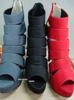最新款韓風線條設計感高跟鞋~黒