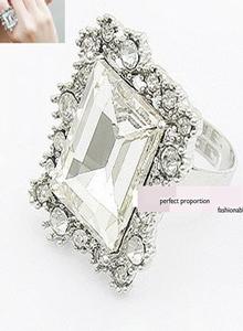 亮鑽大寶石方形戒指