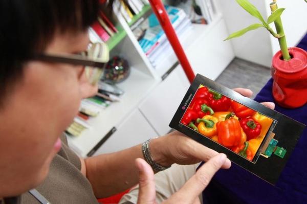 [科技新報]從 Retina Display 開始的解析度戰爭,談 4K、2K 手機螢幕大未來