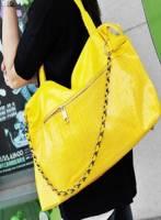 《完美比例》 大拉鏈口袋造型個性包~黃