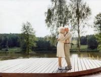 一對年邁夫婦的最後旅途時光