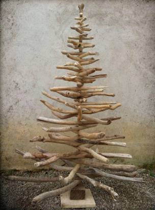 還在為聖誕節的聖誕樹傷腦筋嗎?14種讓你在家巧妙製作法來參考看看吧