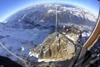 挑戰瀕死經驗!架空在 4 000 公尺高空中的玻璃屋