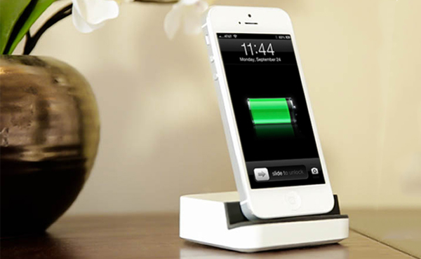 電話下個必備功能是太陽能充電: Apple, Samsung都已準備