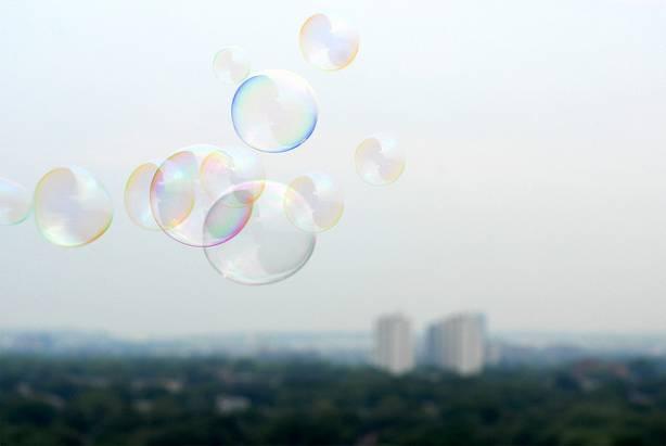 科技公司身價拼命翻倍,2014年會不會再度出現大泡沫?
