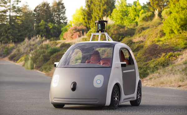Google 變車廠: 自製沒方向盤, 不用司機的超炫「自動車」[影片]