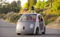 Google 變車廠: 自製沒方向盤 不用司機的超炫「自動車」[影片]