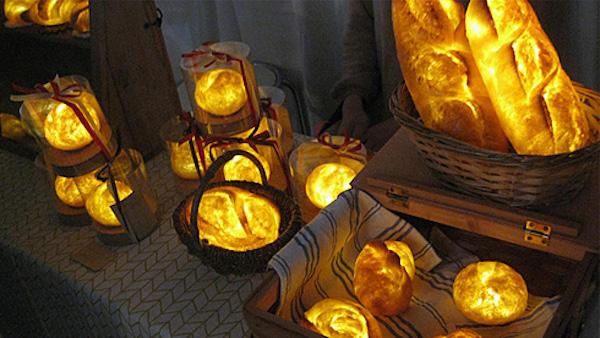 真實度百分百!用麵粉做成的Pampshade麵包燈