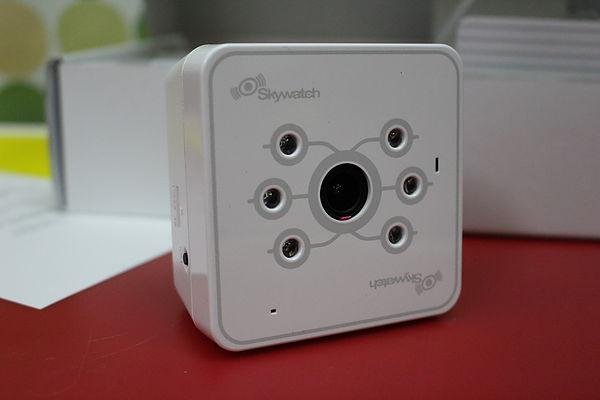 百分百的關心 Skywatch 雲端無線網路攝影機
