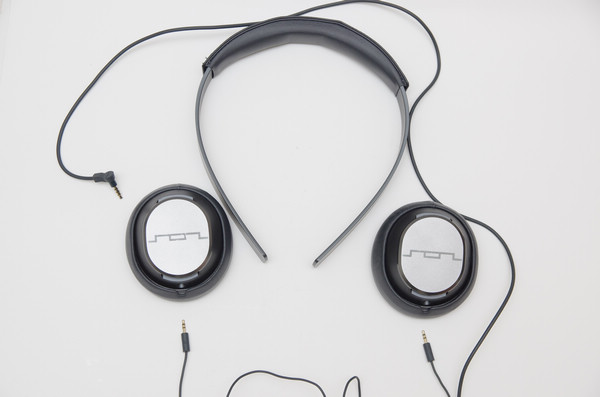 年輕化品牌的準專業之作, SOL REPUBLIC MASTER TRACKS / MASTER TRACKS STUDIO 監聽耳機動手玩