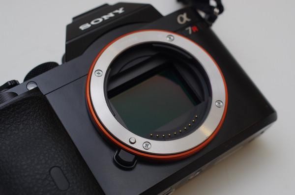 高速通道難道是為此導入?傳 Sony 已著手研發 54MP 的全片幅元件