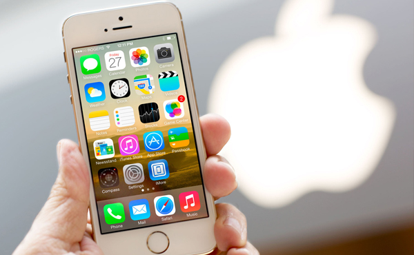 iPhone新消息: 5s供應更多; 5c富士康停產; 濕水機也可換; iPhone 6螢幕及價錢