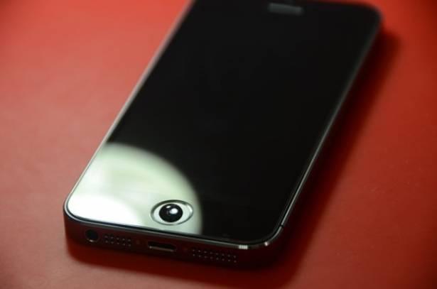 注意!iPhone 5s Home鍵貼保護貼 導致Touch ID失效?
