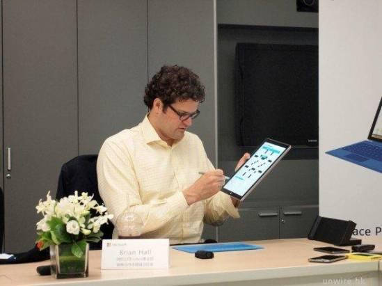 MacBook 是 Surface Pro 3 最大對手!專訪微軟 Surface 掌舵人 Brian Hall