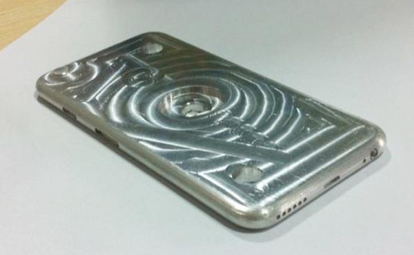 iPhone 6 真正鋁金屬模具曝光, 怎麼變厚了..? [影片]
